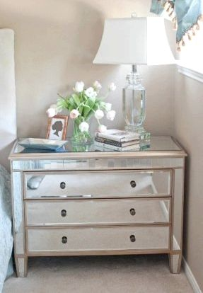 Bedroom Table - Nightstand Lamps We provide